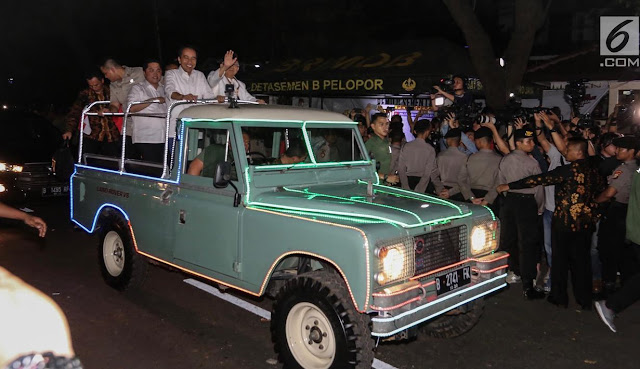 Terbongkar! Naik Mobil Klasik ke KPU, Rupanya Land Rover Jokowi-Ma'ruf Nunggak Pajak