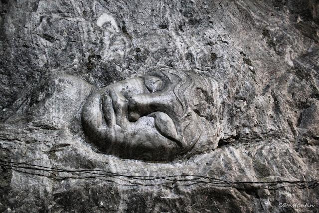 Salina Praid - pot fi admirate basoreliefuri sculptate în sare - blog Foto-Ideea