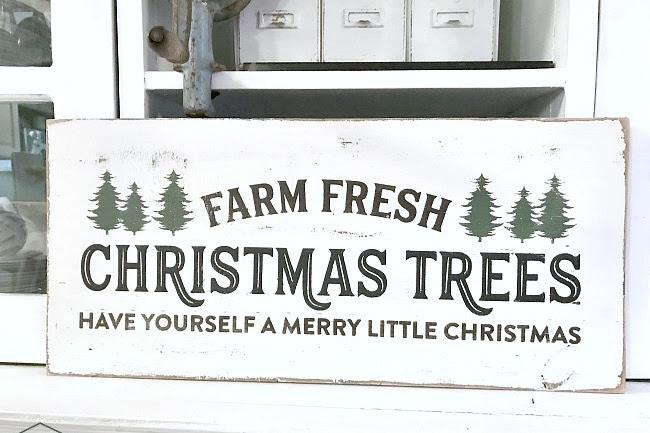 Farm Fresh Rustic Christmas Tree Sign