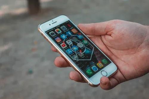 أنت والهواتف الذكية - من يتحكم حقًا؟