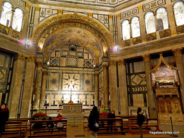 Interior do Batistério de Florença, Itália
