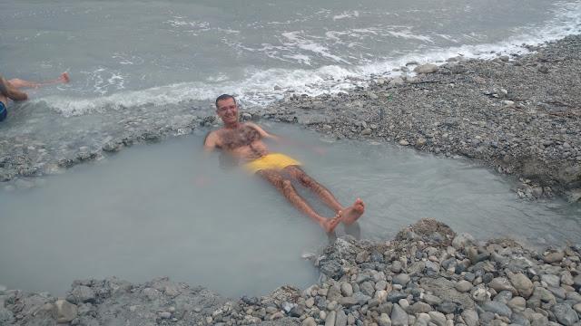 מים חמים בטבע