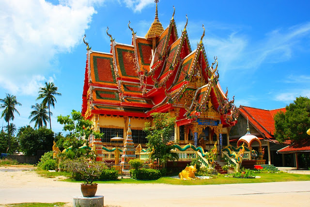 thailand roof temple