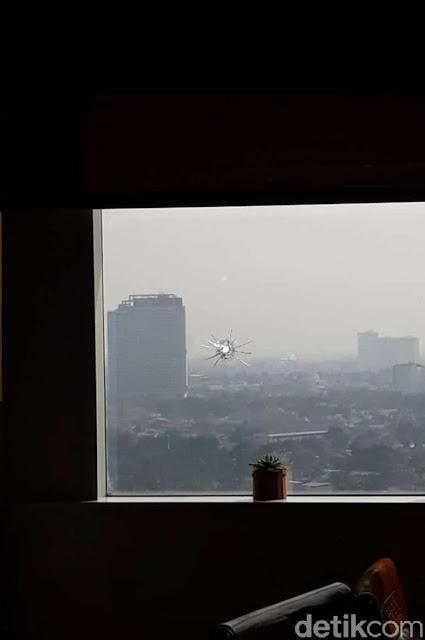 Ini Jendela Ruang Kerja Anggota DPR F-Gerindra yang Ditembak