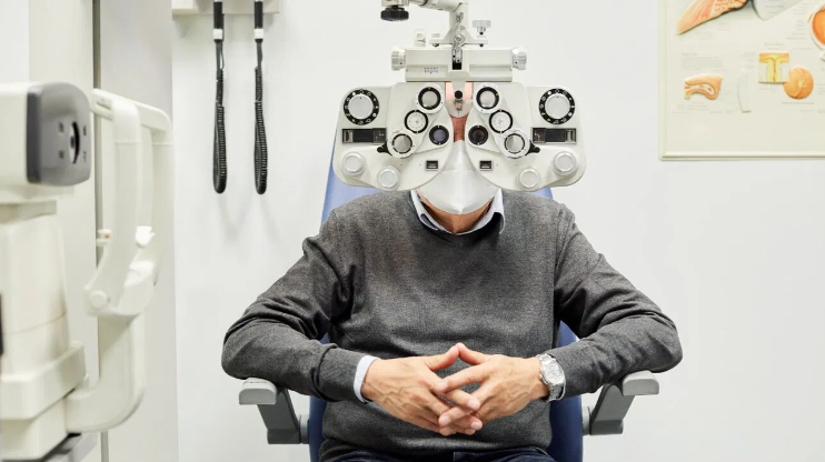 Researchers Find Eye Abnormalities in People With COVID-19 (hubtainment.com.ng)