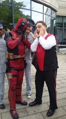 K'olbasa und Deadpool bei der Fedcon