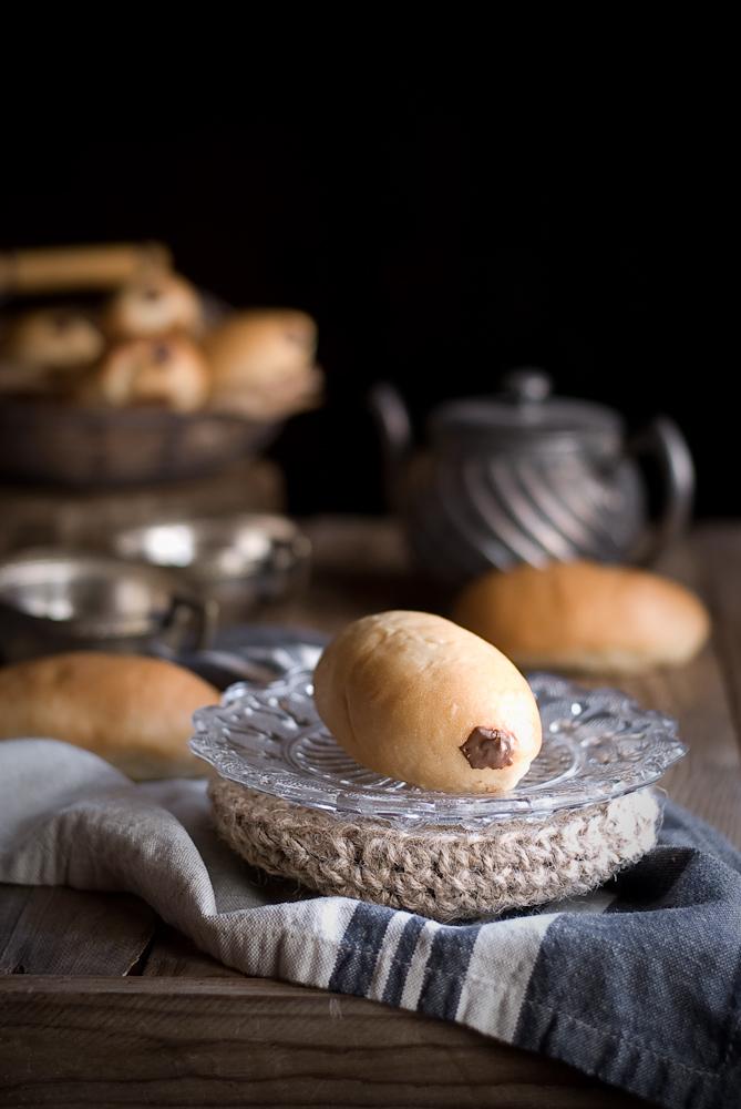 chocolate-filled-buns-bollycao-dulces-bocados