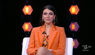 Giulia Salemi foto in studio Isola dei famosi 29 aprile
