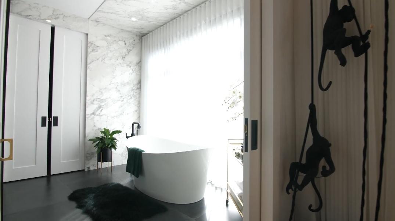 49 Photos vs. Tour 942 SW Crescent Rd NW, Calgary, AB Luxury Home Interior Design