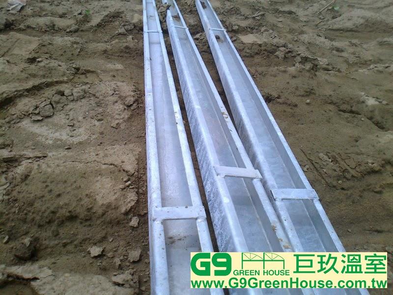 每一米焊接一塊扁鐵在C型剛完成外觀