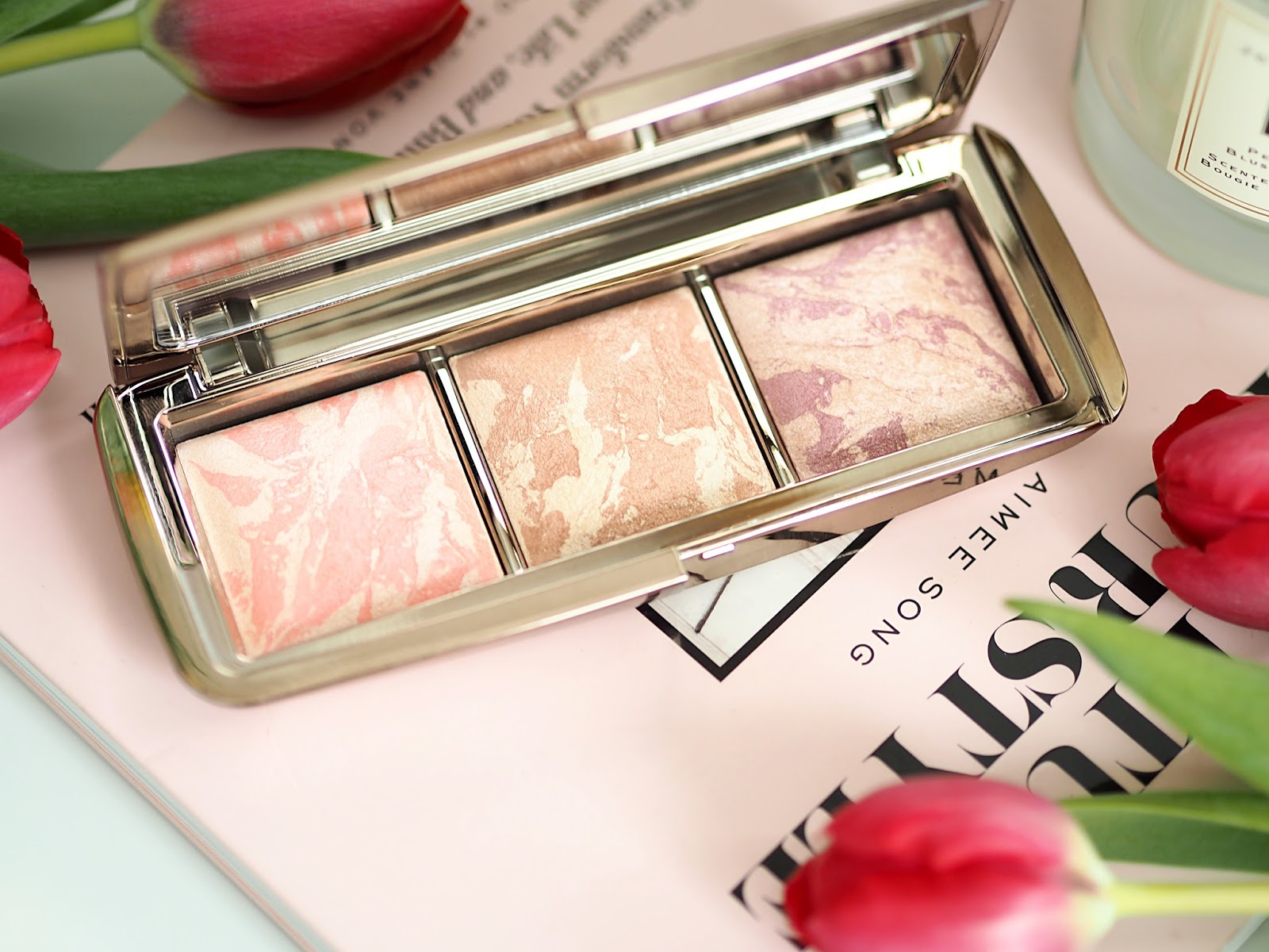 Hourglass ambient strobe lighting blush palette