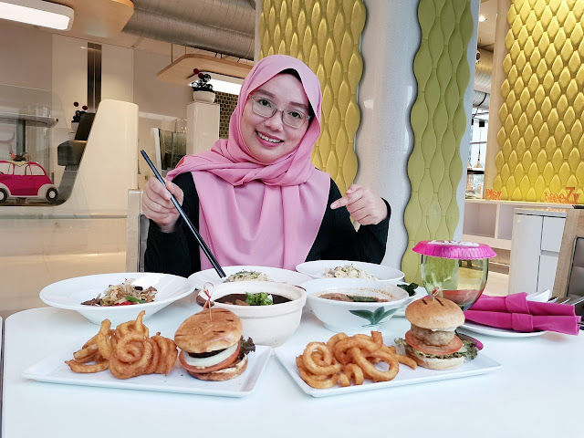 Dinner 'Eat Lah' Di Nook Restaurant, Aloft Kuala Lumpur Sentral Hotel