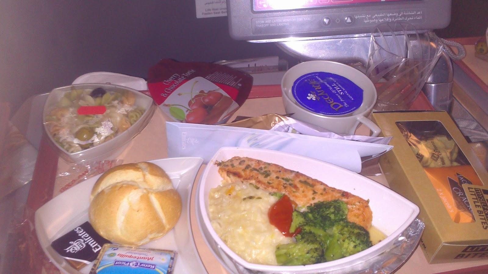 Comida avion emirates