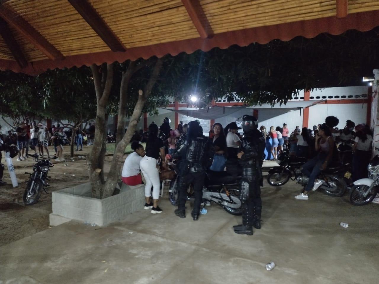 https://www.notasrosas.com/En Riohacha: Policía Guajira disolvió 'Fiesta Pro Covid-19', con de más 200 participantes