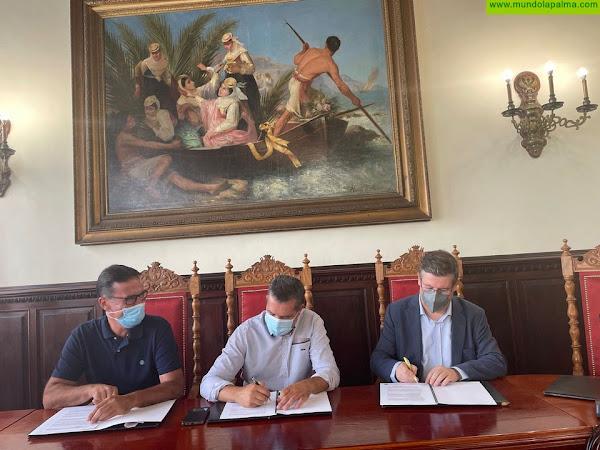El Ayuntamiento capitalino amplía a 15.000 euros la partida para apoyar el proyecto 'Personas sin hogar' de Cáritas