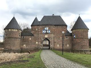 Die Burg Vondern von vorn