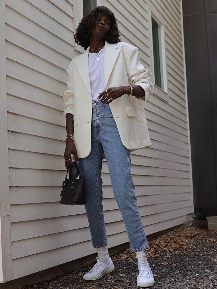 Come abbinare un blazer bianco