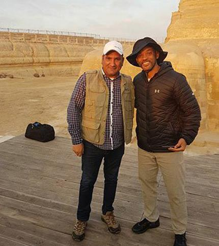 Will Smith visits Giza Pyramids