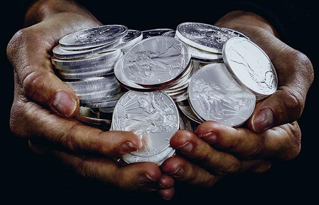 Инвестирование сбережений в серебро: лучшие инвестиции 2021 года