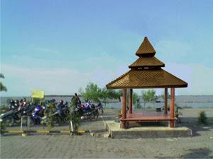 Gazebo Khas Indonesia - Pantai