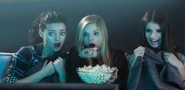 """""""بمقابل 1300 دولار"""".. شركة تبحث عن شخص لمشاهدة 13 فيلم رعب في 10 أيام"""