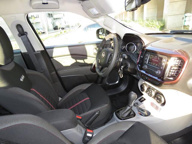 Fiat Toro Flex Automática - interior