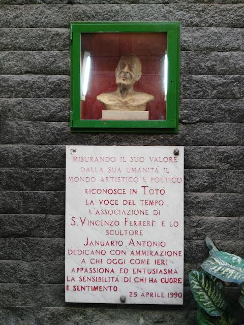 Edicola a Totò-Rione Sanità-Napoli