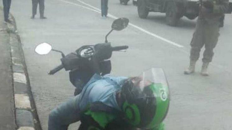 Polisi Berdatangan, Dikira Kena Corona, Tak Taunya Driver Ini Hanya Ketiduran Karena Kecapean.