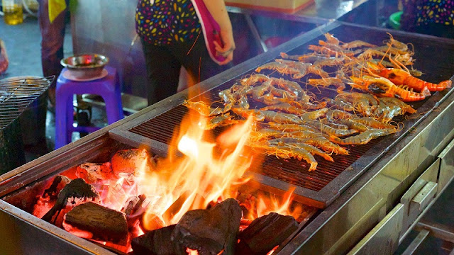 Ben Thanh street food market – a venue worth visiting 2
