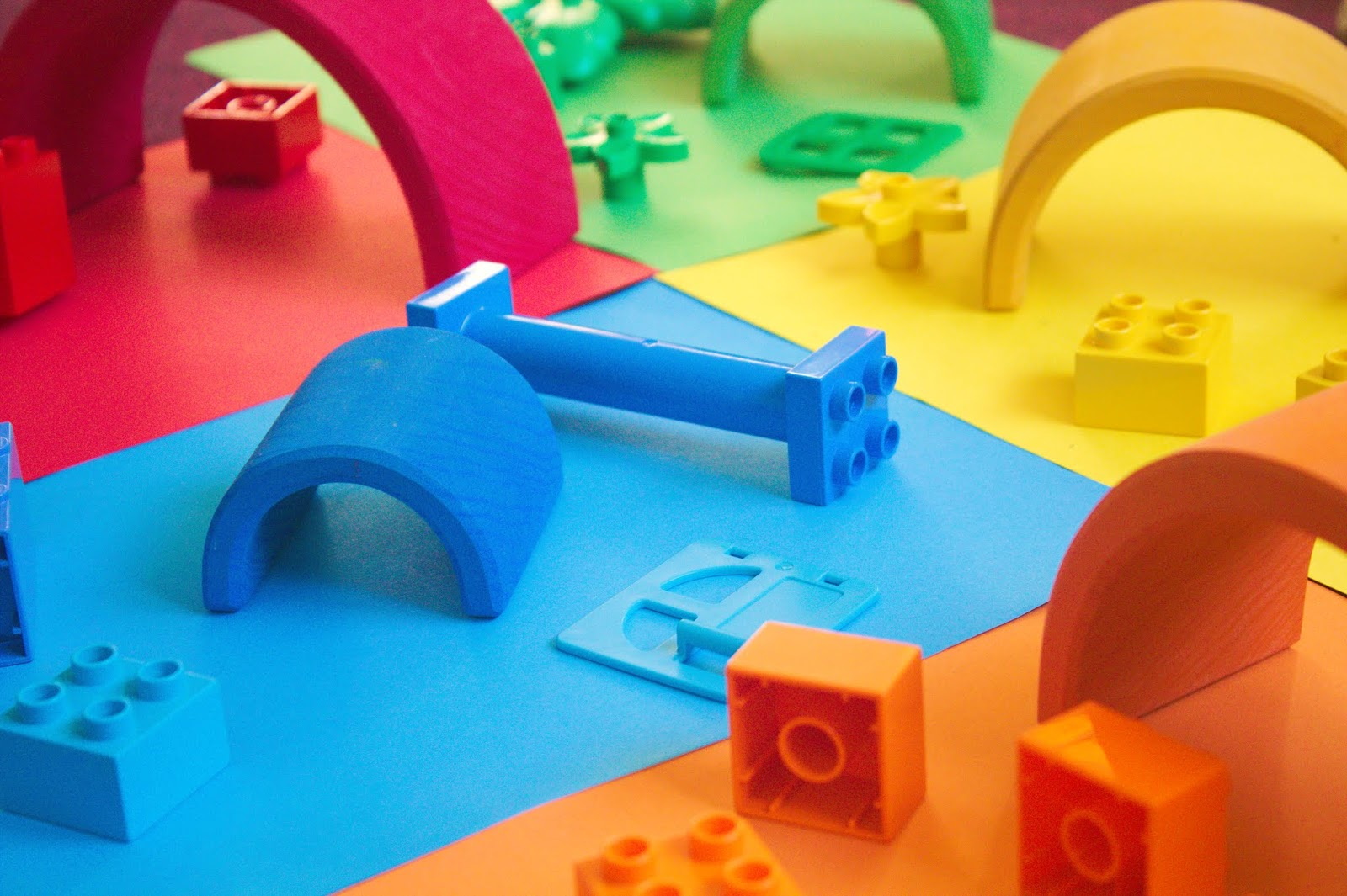 Montessori-inspired & hands-on activities with Lego Duplo. How to make the most out of toys