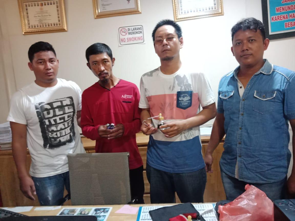 DITANGKAP: Dua pengguna sabu yang ditangkap.