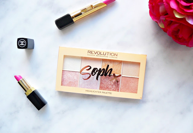 Makeup-Revolution-Soph-X-Highlighter-palette-review-swatches-highlighter-palette-strobing