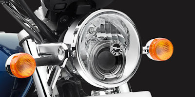 Royal Enfield Thunderbird 500 headlight image
