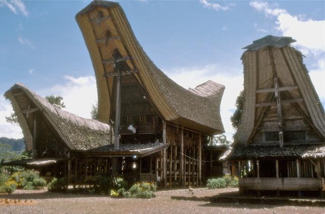 Keindahan Nusantara Rumah Adat Tana Toraja