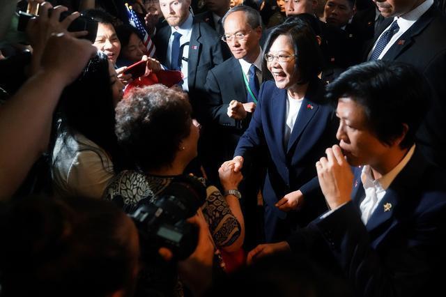 Bà Thái Anh Văn tới Mỹ, bất chấp Trung Quốc phản đối