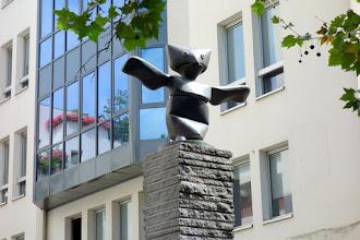 Paris : Le Grand Assistant, une oeuvre de Max Ernst - Quartier de l'Horloge - IIIème