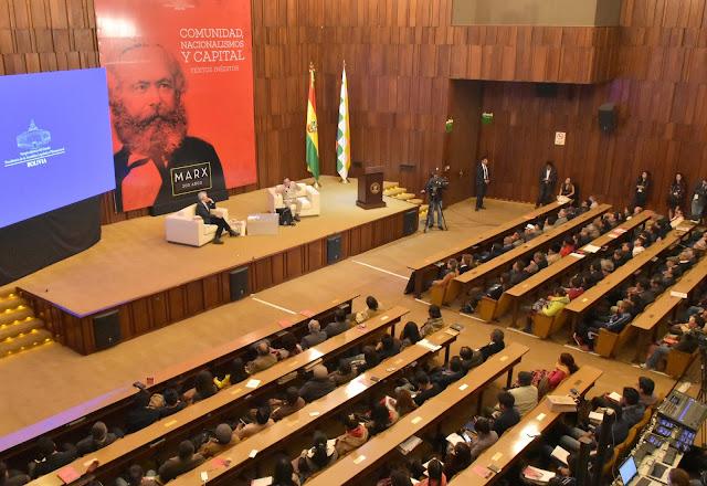 Una de las conferencias magistrales de Garcia y sus invitados en el BCB / VICEPRESIDENCIA