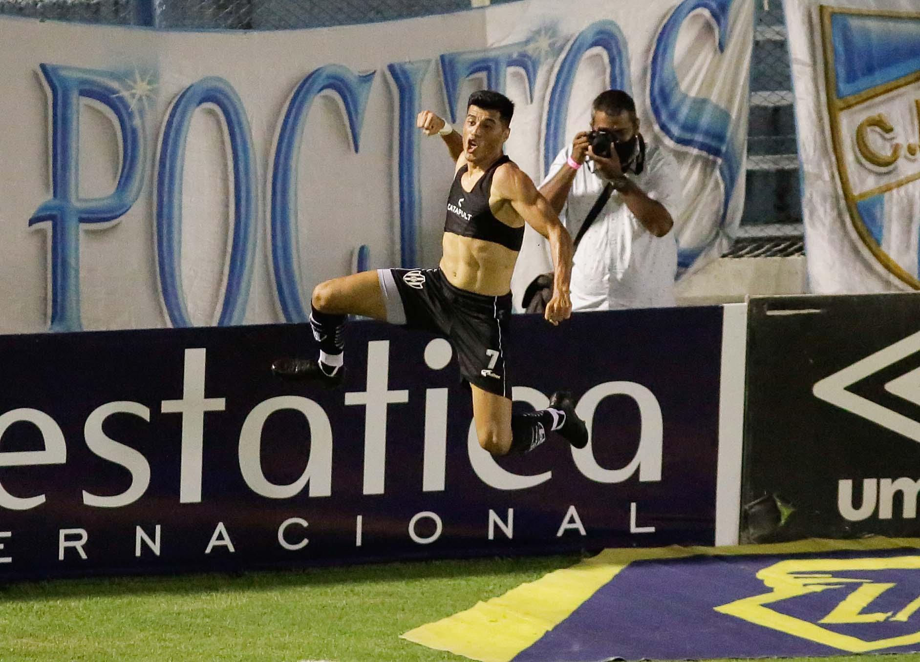 Central Córdoba festejó en Tucumán tras ganar con un golazo de Sequeira sobre el final