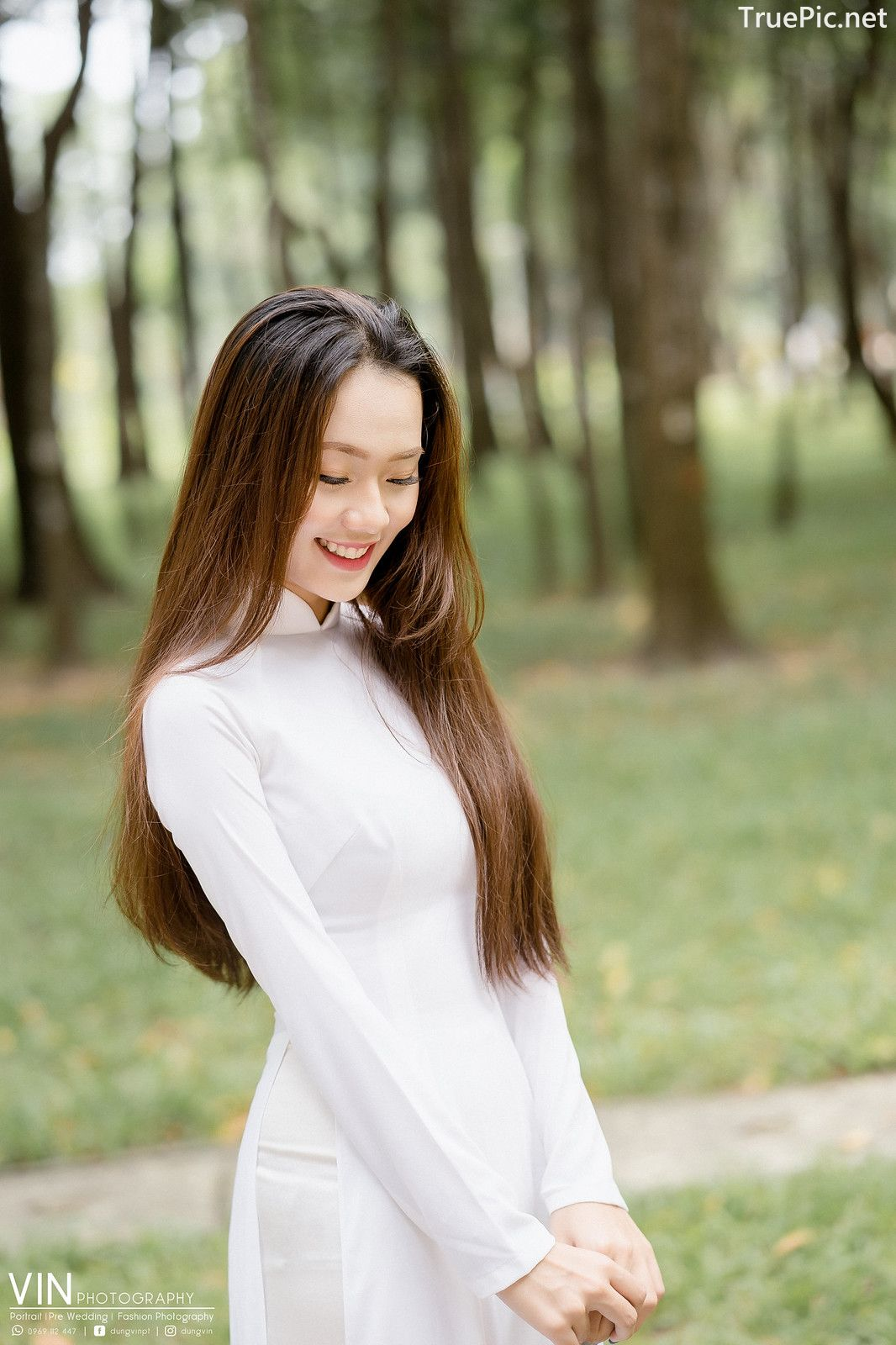 Vietnamese Beautiful Girl - Ao Dai Vietnam Traditional