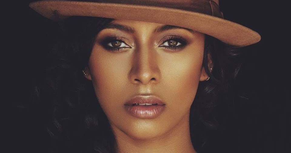 Keri Hilson age, husband, married, boyfriend, son, feet