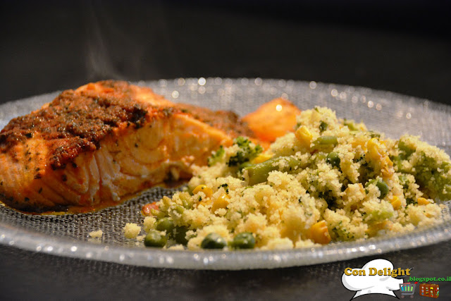 פילה סלמון וקוסקוס salmon fish and couscous