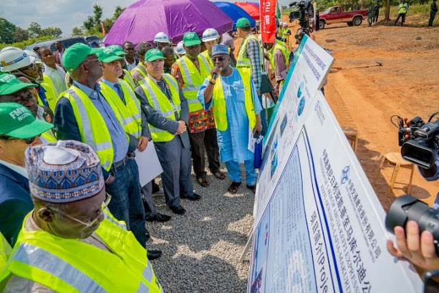 Fashola Says Abuja-Algiers Road To Be Completed In 3 Years