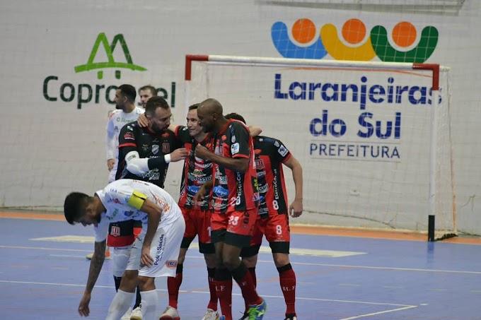 Com embalo da batida da Sangue no segundo tempo, Operário Laranjeiras goleia o Pato Futsal
