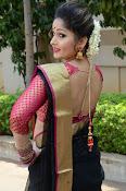 madhavi latha latest pics-thumbnail-13