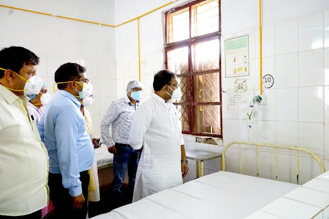 पीएचई मंत्री ने किया कोविड सेंटर अहिवारा का निरीक्षण