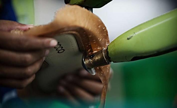 Los sectores más afectados por la incertidumbre en México, además de la construcción son: la fabricación de productos derivados del petróleo, la industria siderúrgica, la industria química, la industria textil, la industria del calzado, la fabricación de cuadernos,   entre otras, según José Luis de la Cruz. (Foto: Sapica)