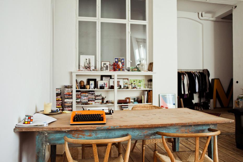 seventeendoors apartment studio in berlin. Black Bedroom Furniture Sets. Home Design Ideas