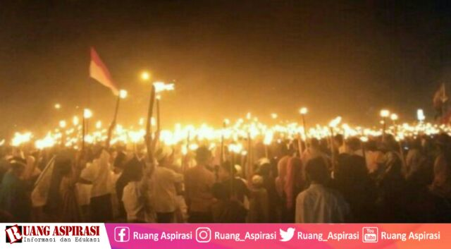 Sambut Bulan Suci Ramadhan, Masyarakat Kalbar Gelar Pawai Obor