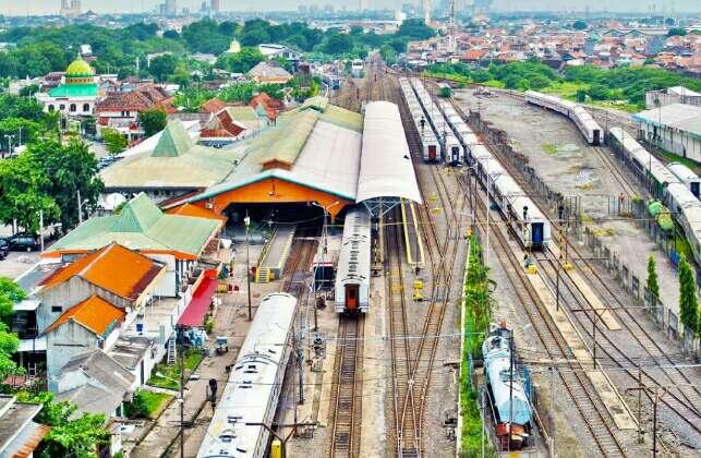 stasiun pasar turi surabaya