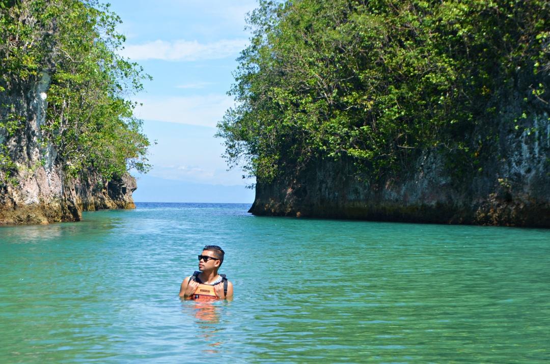 cebu-male-fashion-blogger-almostablogger-bojo-river6.jpg